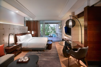 Sofitel Bali Nusa Dua Beach Resort Bali - Luxury Club Millesime Room with Pool Access Regular Plan