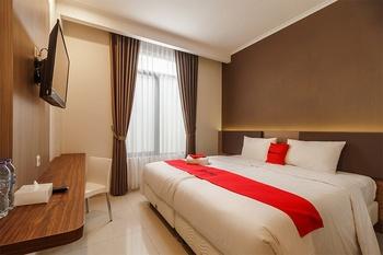 RedDoorz Plus near Lippo Mall Kemang 2 Jakarta - RedDoorz Room Regular Plan
