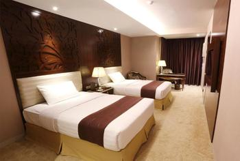 Belviu Hotel Bandung - Family Room MINIMUM STAY