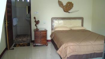Villa Yukie Senggigi Lombok - Deluxe Double Room Regular Plan