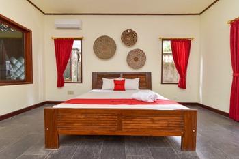 RedDoorz Plus near Seminyak Square Bali - RedDoorz SALE 125K Regular Plan