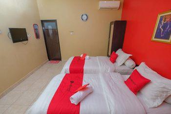 RedDoorz Syariah near Syamsudin Noor Airport 2 Banjarbaru - RedDoorz Twin Room Basic Deal