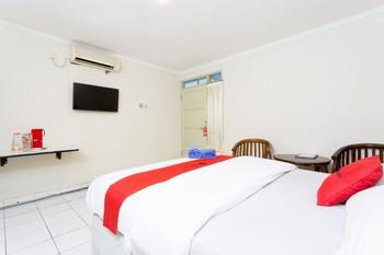 RedDoorz @ Supratman Street Bandung - RedDoorz Twin Room with Breakfast KETUPAT