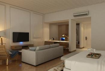 Swiss-Belinn Singkawang Singkawang - Junior Suite Balcony King Regular Plan