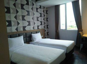 Hotel 88 ITC Fatmawati Jakarta - Deluxe Room Regular Plan