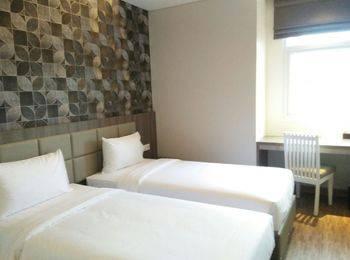 Hotel 88 ITC Fatmawati Jakarta - Superior Room Regular Plan