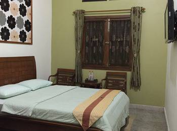 Pension Guest House Bandung - Executive Double Room Only Regular Plan