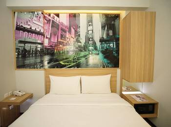 Cleo Hotel Jemursari - Biz Queen - Room Only Hot Deal 10%