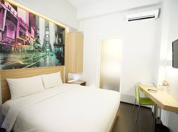 Cleo Hotel Jemursari - Biz Queen Room - With Breakfast + Dinner Regular Plan