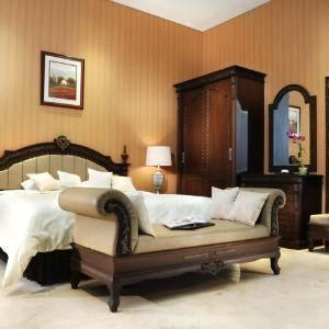 The Palais Dago Hotel Bandung - Executive Suite Room Only                                  Januari DEAL