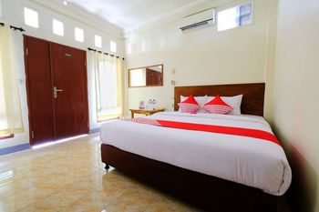 OYO 1425 Beach Wind Bungalows Lombok - Standard Double Room Last Minute Deal