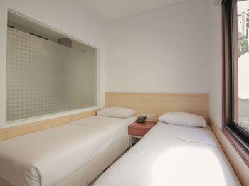 Grha Ciumbuleuit Guest House Bandung -  Standard Twin Regular Plan