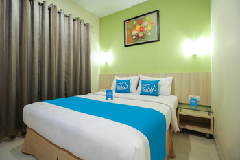 Airy Syariah Padang Barat Hang Tuah 211 - Superior Twin Room with Breakfast Regular Plan