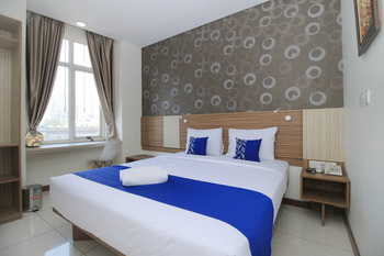 SMARTHOMM HOTEL ANCOL - Deluxe Double Room Only Regular Plan