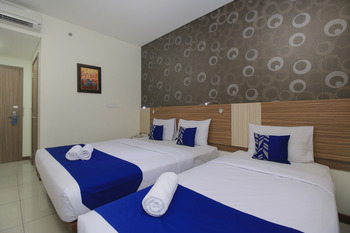 SMARTHOMM HOTEL ANCOL - Family Room Double Regular Plan