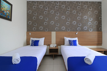 SMARTHOMM HOTEL ANCOL - Deluxe Twin Room Only Special Promo 31