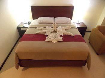 Hotel Gran Central Manado - Deluxe Double Room Regular Plan