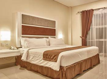 President Executive Club Cikarang - Deluxe Room With Breakfast Regular Plan