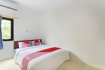 OYO 2928 Rumah Ceria Semarang - Standard Double Room Regular Plan