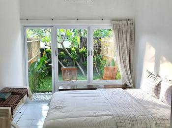 Omah Biu Canggu Bali - Superior Room with Private Garden Room Only Flash Deal 29%