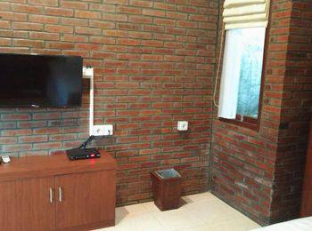 Villa Arumdalu by Tetirah Salatiga - Melati Deluxe Room Last minute