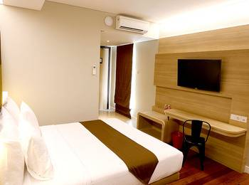 Grand Citihub Hotel Panakkukang - Deluxe King Room Only Regular Plan