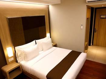 Grand Citihub Hotel Panakkukang - Superior King Regular Plan