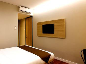 Grand Citihub Hotel Panakkukang - Superior King Room Only Regular Plan