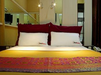 RedDoorz @Natuna Bandung - RedDoorz Room Only Regular Plan