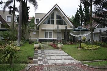 Villa Kota Bunga Peony Cianjur - Villa 3 Bedroom Best Deal