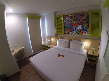 MaxOneHotels at Kramat Jakarta - Happiness Room Only Regular Plan