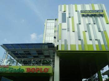 MaxOneHotels at Kramat