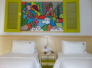 MaxOneHotels at Kramat Jakarta - Happiness Twin Bed - Non Smoking Room Only  LDR promo