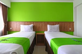 Hotel Bumi Makmur Indah Lembang - Deluxe Room Twin Special Deal