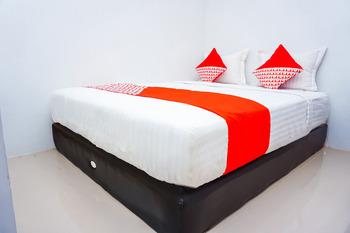 OYO 433 Nelvi Guest House Syariah Padang - suite double Room Regular Plan