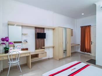RedDoorz @Jatiwaringin Jakarta - Reddoorz Room Regular Plan