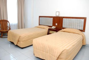 RR Wisata Indah Hotel Tapanuli Tengah - Superior Room With Breakfast Regular Plan