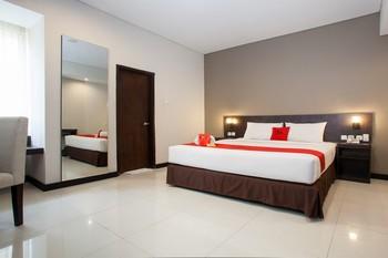 RedDoorz Premium near Exit Toll Malang Malang - RedDoorz Deluxe Room LMD