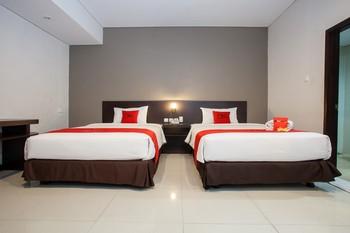 RedDoorz Premium near Exit Toll Malang Malang - RedDoorz Superior Twin Room LMD