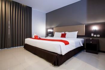 RedDoorz Premium near Exit Toll Malang Malang - RedDoorz Superior Room LMD