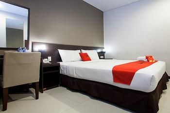 RedDoorz Premium near Exit Toll Malang Malang - RedDoorz Room LMD