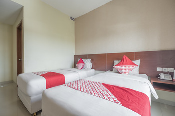 Capital O 454 Raising Hotel Makassar - Deluxe Twin Room Early Bird