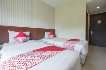 Capital O 454 Raising Hotel Makassar - Standard Twin Room Early Bird