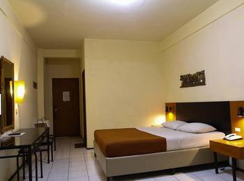 Hotel Augusta Sukabumi Sukabumi - Standard Room Regular Plan