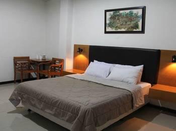 Hotel Augusta Sukabumi Sukabumi - Deluxe Room Regular Plan
