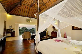 Puri Mas Boutique Resort & Spa Lombok - Royal Suite Ocean View Room  Last Minute Special Deal
