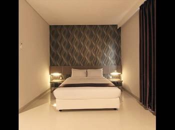 Smile Hotel Cirebon - Deluxe Room Regular Plan