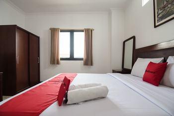 RedDoorz @ Buah Batu Bandung - RedDoorz Deluxe Room 24 Hours Deal