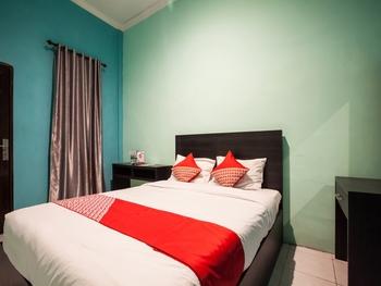 OYO 2229 Bunga Raya Residence Medan - Standard Double Room Regular Plan