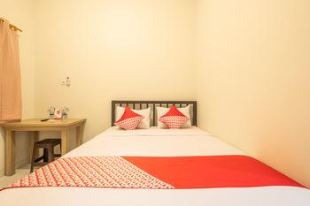 OYO 936 Tremigo Guest House Syariah Cirebon - Standard Double Room Regular Plan